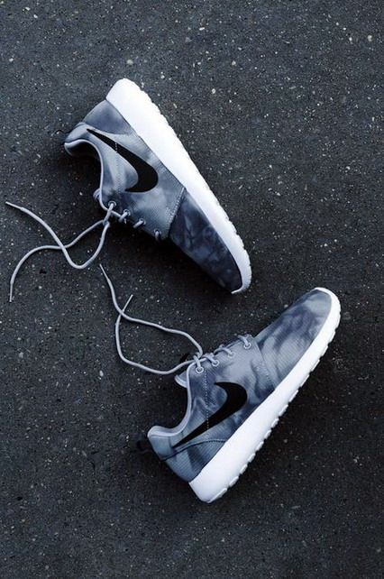 Sports Nike running shoes so beautiful and exquisite,click to come online shopping, pinterest↠e_madruga tmblr.co/...