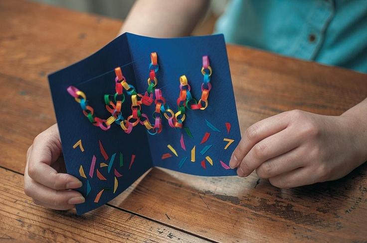 夏のお便りとしてもぴったりな華やかなカード。七夕の日まで机の上に置いて、飾って楽しむのも◎。/手作り七夕クラフト(「はんど&はあと」2013年7月号)