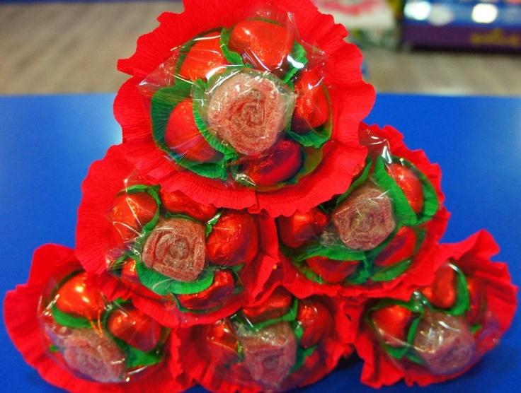 Mirad que nos tienen preparado nuestros amigos de Dulce Diseño Vilamarina para celebrar el día de Sant Jordi. ¿A quién no le gustaría una rosa de estas?