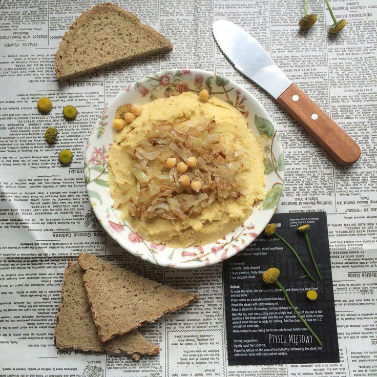 Ptysiu Mietowy: Prosta pasta z ciecierzycy z karmelizowaną cebulką...