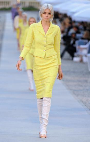 Coordinado de tweed color amarillo canario. 0 personas lo aman, 0 lo odian, ¿y tú?