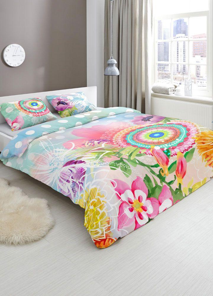 Hip Dekbedovertrek Gimari.Toe aan een nieuwe, frisse uitstraling in de slaapkamer? Dan is het HIP Gimari dekbedovertrek wellicht een goede keus. HIP staat uiteraard bekend om zijn verrassende creaties vol kleur en details. Ook dit Gimari dekbedovertrek heeft een heerlijk dessin met verschillende kleuren, patronen en bloemen. Een bont kleurenspel voor elke slaapkamer!   #hipdekbedovertrek #hip #mandala #rainbow #unicorn #bed #beddengoed #slaapkamer #dekbedovertrek