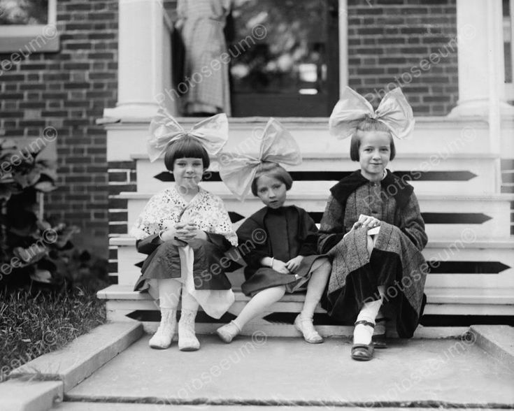 Three Little Girls With Big Bows In Hair 8x10 Reprint Of Old Photo
