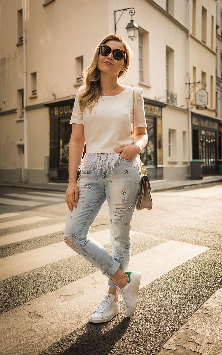 Nossa rotina aqui em Paris está bem puxada – viemos com a intenção de gravar o máximo possível de videos e por isso não paramos nem um segundo! Por isso trouxe só um salto na mala e na hora de pensar nos looks só quero saber de praticidade e conforto. O look de hoje é exatamente assim! Jeans + camiseta...