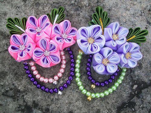 flower kanzashi brooch getscrazyonafullmoon.blogspot.com