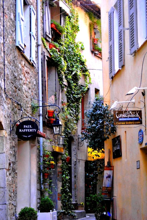 Street of Mougins - South of France - Recommend staying at Le Club Mougins - you can get a 1-bedroom, 2-bedroom, or 3-bedroom at a great price at Vacation4Less on Facebook!