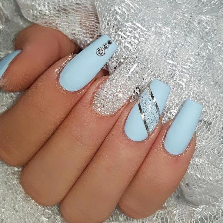 Ice Blue And Diamond Jet Set Beauty Nails Delizianails Ch Bluenails Blue Glitter Nails Blue Acrylic Nails Blue Gel Nails