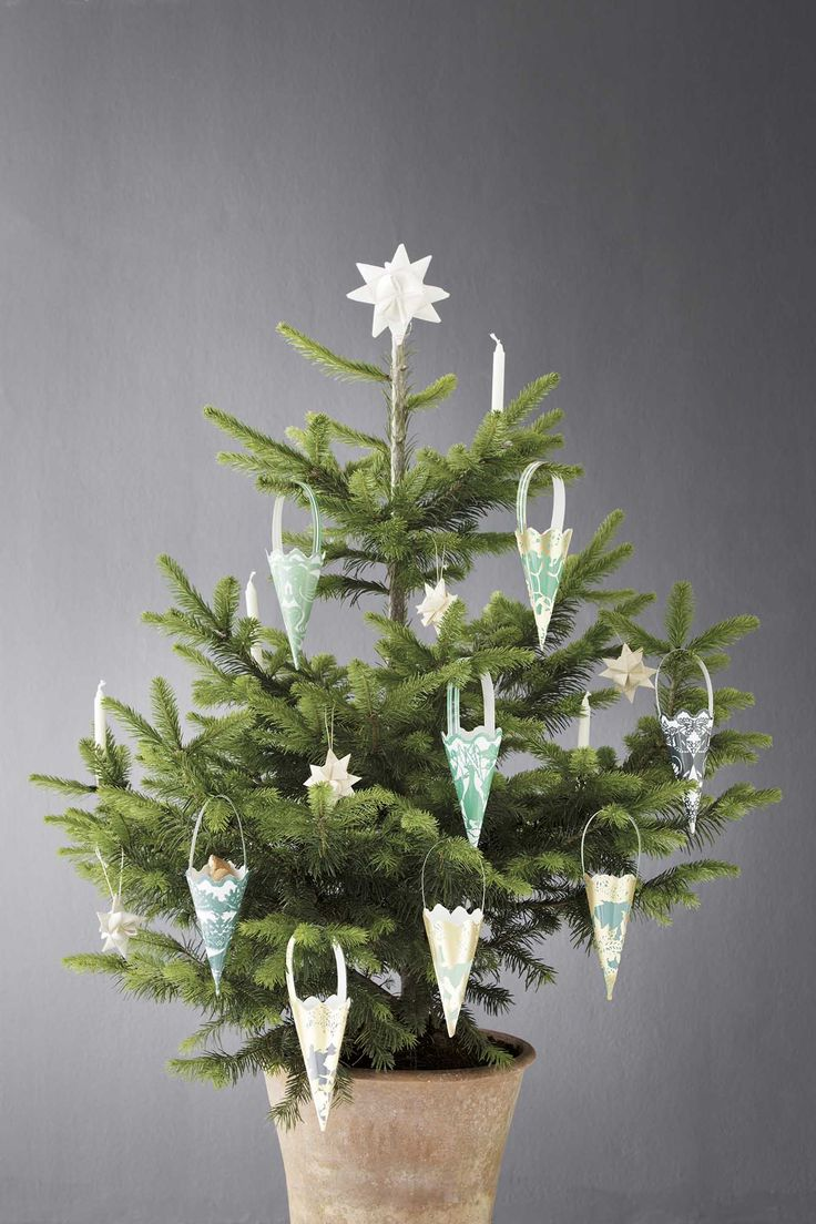 The prettiest christmas decoration ever. Cut outs from Danish Koustrup & co