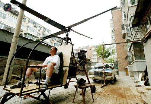 A self-styled Chinese inventor tests his homemade helicopter. Yu Jun follows in the footsteps of his younger brother who lost his life in a national park in central China at the end of a 20 year search for the legendary Bigfoot, and intends to continue the quest from the sky. Without any formal education in aerospace science, Yu Jun spent five years constructing the helicopter from spare parts belonging to a dilapidated Lada automobile (in back).