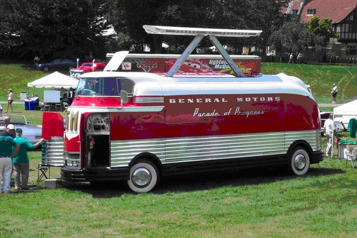 futurliner to appear at southwest michigan concours d collectible cars cars and busses. Black Bedroom Furniture Sets. Home Design Ideas