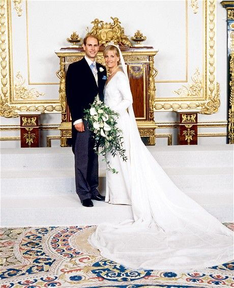 On this day 19th June, 1999 The wedding of Prince Edward, Earl of Wessex (the fourth and youngest child of Queen Elizabeth II and The Duke of Edinburgh) and Sophie Rhys-Jones. The wedding took place at St George's Chapel, Windsor Castle