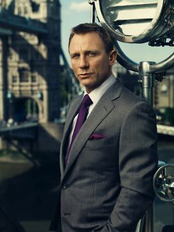 Our wedding colors exactly - on Daniel Craig. What a good look. I know my fashion, don't I?