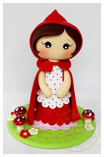 Chapeuzinho Vermelho. Little Red Riding Hood.                                           I love her work, Karine Alves creates masterpieces, a shame that they must be cut at all!