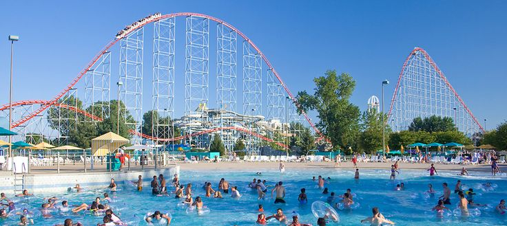 cedar point, ohio-Yes, a water park connected to the amusement park. People just go back and forth throughout the day.