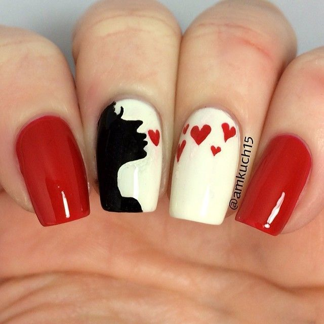 Blow a Kiss Valentine nails nailart