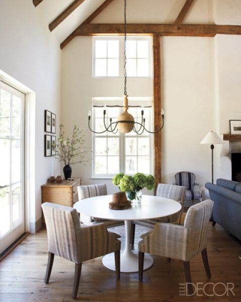 i love bright and open rooms, and this chandelier is perfect