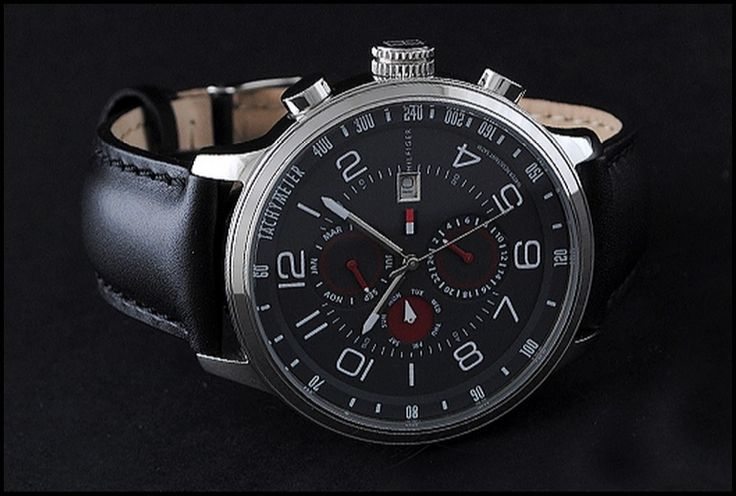 f90cf92d3ac Relógio masculino da Tommy Hilfiger com pulseira de couro preto.