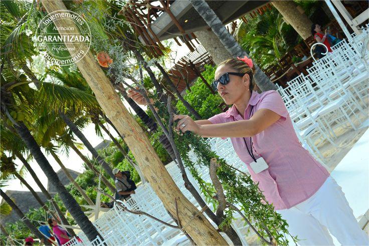 creando momentos memorables  #xcaretExperience #bodas #montaje #decoracion