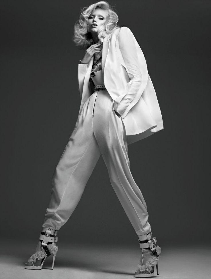 ELEMENTS LEHTI: Vogue Russia Huhtikuu 2011: Abbey Lee Kershaw