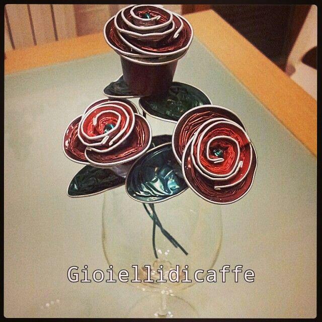 Rose rosse al profumo di caffè - riciclo capsule nespresso