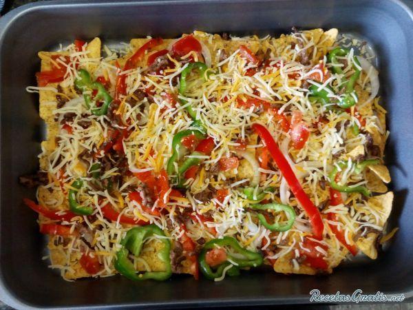 Receta de Nachos gratinados con carne - Paso 6 Guacamole, Carne Picada, Yummy Yummy, Cabbage, Recipies, Dinners, Vegetables, Food, Gratin