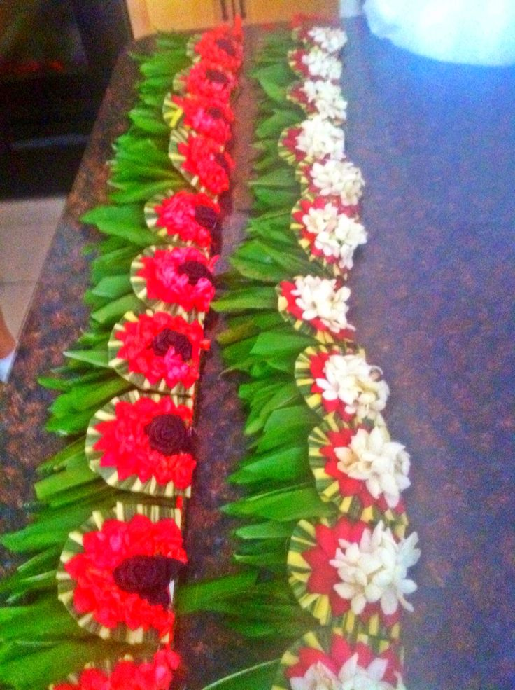 Tongan lei | My Ulas | Island crafts, Graduation leis, Leis