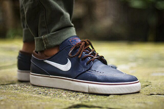 Stefan Janoski's navy all leather Nike. | Chaussures homme, Nike ...