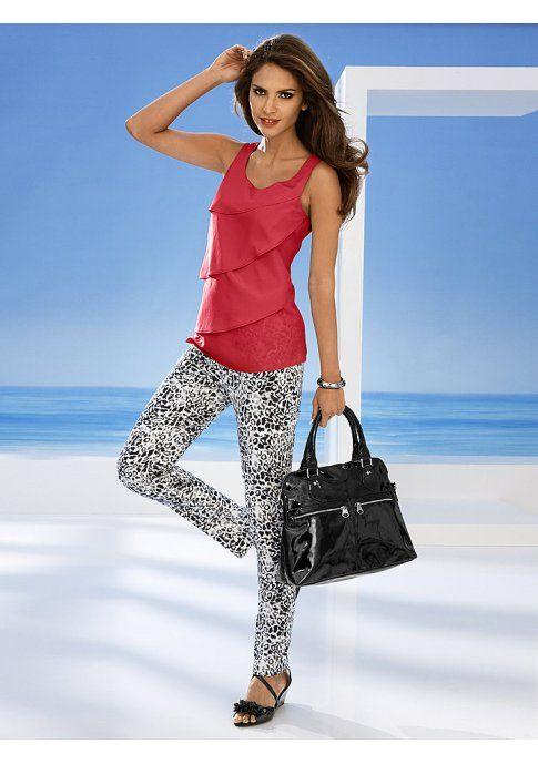 Топ - http://www.quelle.ru/heine/Woman_fashion/Tshirts_and_Tops/Woman_Tops_and_Sleeveless_shirt/Top__r1295342_m276537.html?anid=pinterest&utm_source=pinterest_board&utm_medium=smm_jami&utm_campaign=board6&utm_term=pin16_29042014. Топ. Кокетливо! Многоярусный покрой спереди. Застежка-пуговица и небольшой разрез сзади. #quelle #trendy #coral #nice #summer