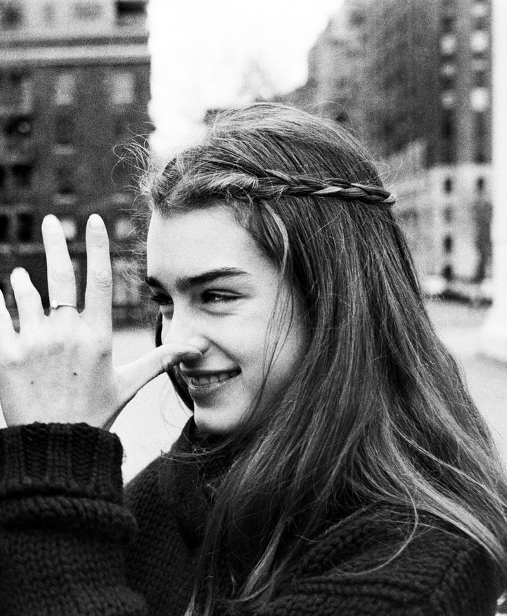"07 Apr 1978 --- Original caption: 4/7/1978-New York, NY- Disrespect?  Is young actress Brooke Shields making a face at her mother, Teri Shields?  Of course not.  The photographer explains that he wanted to get a picture of mother and daughter close together.  He suggested that they rub noses.  This gesture and ""That's dumb!"" were Brooke's responses to the suggestion. --- Image by © Bettmann/CORBIS"