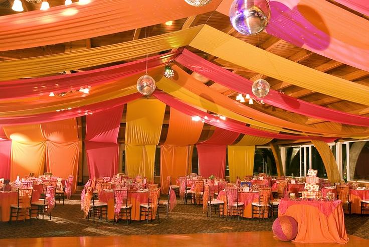84 best circo images on pinterest circus party - Decoracion para techos ...
