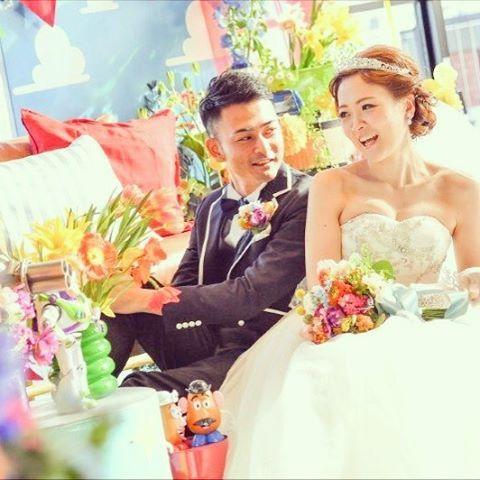 【kimura.bgv】さんのInstagramをピンしています。 《披露宴会場での1枚♡ 暖かい光りに包まれてとてもステキです♡ #wedding#weddingphoto#ビデオ#yokohama#ドレス#素敵写真#instergram#2017#2016秋婚#写真#横浜花嫁#海#ウェディングドレス#結婚式#ウェディングケーキ #装飾#花#ブーケ#海が見えるゲストハウス #花嫁#プレ花嫁#卒花嫁#卒花#ゼクシィ#2017年結婚式#ベランダ#横浜#みなとみらい#マリンアンドウォーク#baysidegeihinkanveranda》