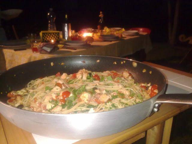 Spaghetti pomodorini e pesce spada Spaghetti with tomatoes and fish  http://giuliacookeatlove.blogspot.it/2013/07/spaghetti-pomodori-pachino-e-pesce-spada.html