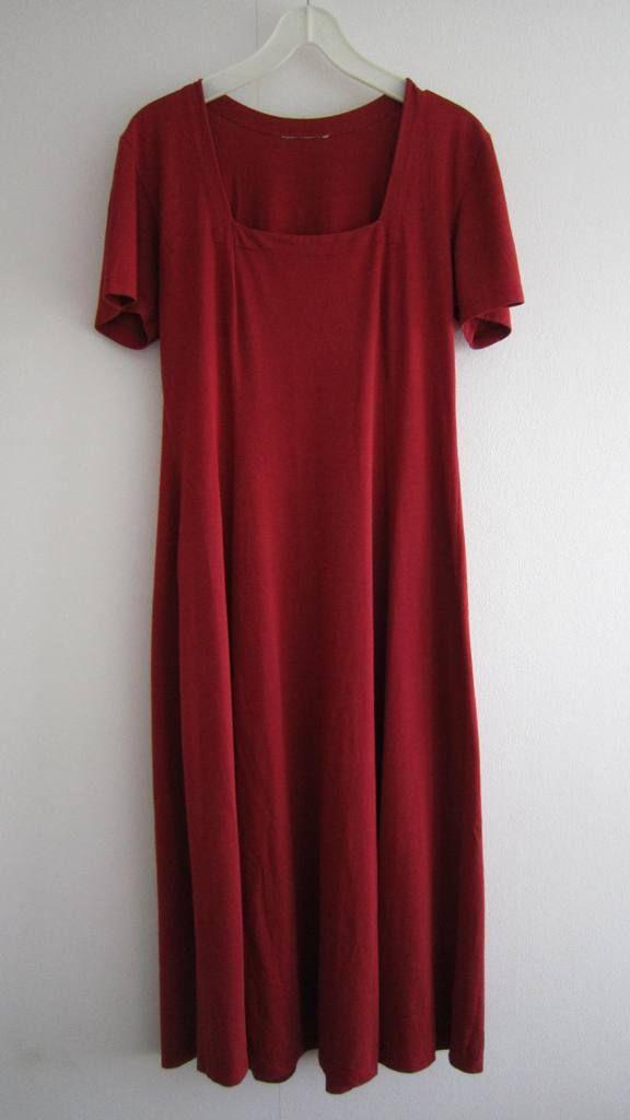 Lange jurk in rood/bruin. Mt XL (verkocht)