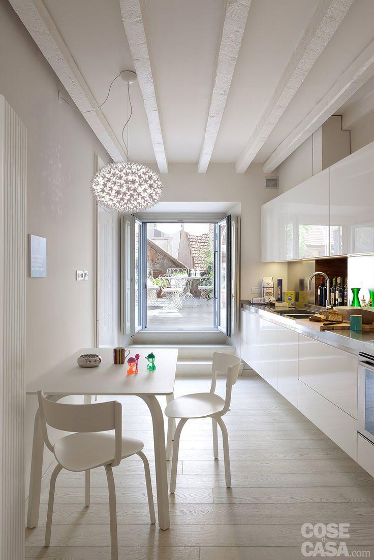 Cucina lunga stretta cerca con google cucina pinterest cucina - Arredare soggiorno rettangolare ...