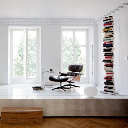yes: Interior Design, Reading, Favorite Places, Eames Chairs, Living Spaces, Eames Books, Interiors, Eames Lounge Chairs, Books Spaces