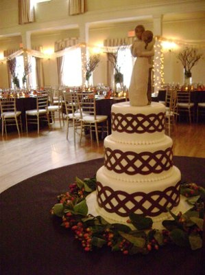 83 best images about wedding cakes on pinterest wedding for Celtic decorations home