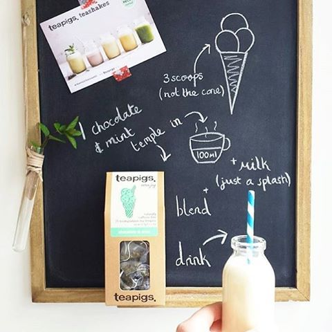 teashake? Oh go on then! ☀️ Just follow our super simple recipe as demonstrated by the wonderful @littlemaldod! #summer #tea #shakes #treatyoself