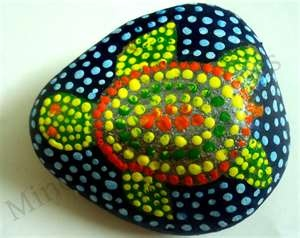 DIY Turtle rock- I love the aboriginal look! i had fun doing dots ...... better with a little ear cleaner.