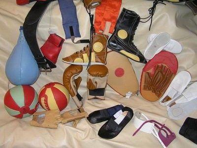 """Спортивные товары из натуральной кожи ТМ """"Ликтри"""" - продажа от производителя:  - чешки,  - получешки,  - напульсники,  - перчатки вело- и тяжелоатлетические,  - утяжелители для рук и ног,  - жилеты-утяжелители,  - груши боксёрские,  - татами,  - борцовки-самбовки,  - футы,  - медболы,  - манекены борцовские и мн. др."""