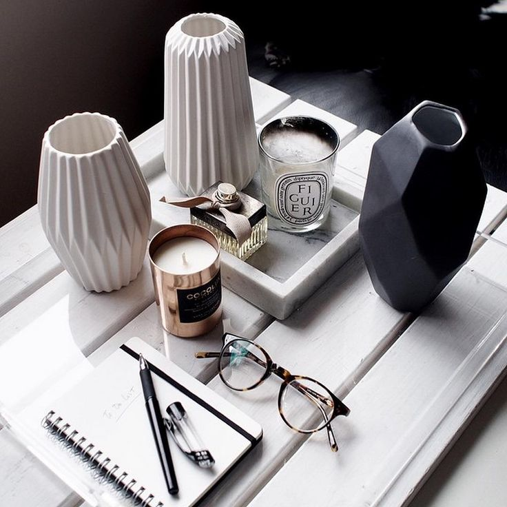 "Oscar Wylee Eyewear on Instagram: ""Perfect pairings. Monochrome vases, Chloe perfume and Oscar Wylee frames ❤️❤️❤️ @acupofchic"""