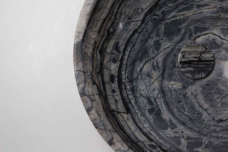 Round marble basin