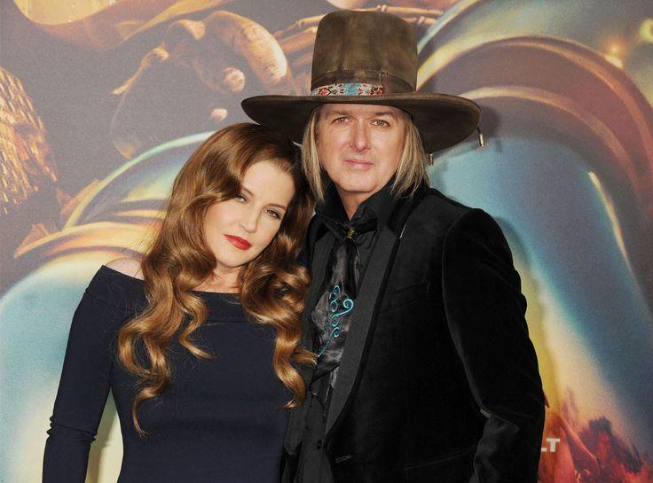 lisa marie presley | Lisa Marie Presley Files for Divorce From Michael Lockwood After 10 ...
