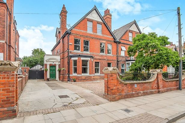 Take a look at this six-bedroom Grimsby home with its own BALLROOM, outdoor pizza oven and 'secret garden'  Mortgage Advic in Grimsby - http://grimsbymoneyman.com   #Grimsby #Ballroom #PropertyOfTheWeek