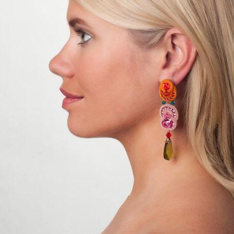 Folies colorful earrings...it's all about those Thursday vibes... :) #DoriCsengeri #colorful #dropearrings #crystalearrings #dangling #earrings