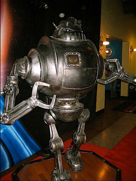 Zathura robot | ZATHURA robot 2005 | Kitchen Appliances ...