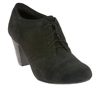 Clarks Bendables Sapphire Chloe Water Resistant Lace-up Shooties 8M On their way to me right now!