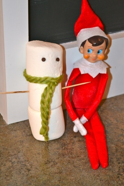 elf on the shelf, makes a snowman