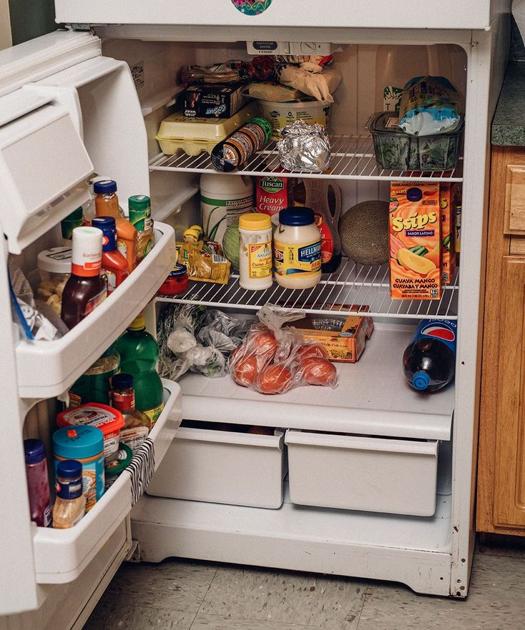 Poor Millenials Food Stamp Snap Program | A profile on Lillian, a millennial, mother of three, who is on food stamps. #refinery29 http://www.refinery29.com/2015/11/97350/poor-millennials-food-stamp-snap-program
