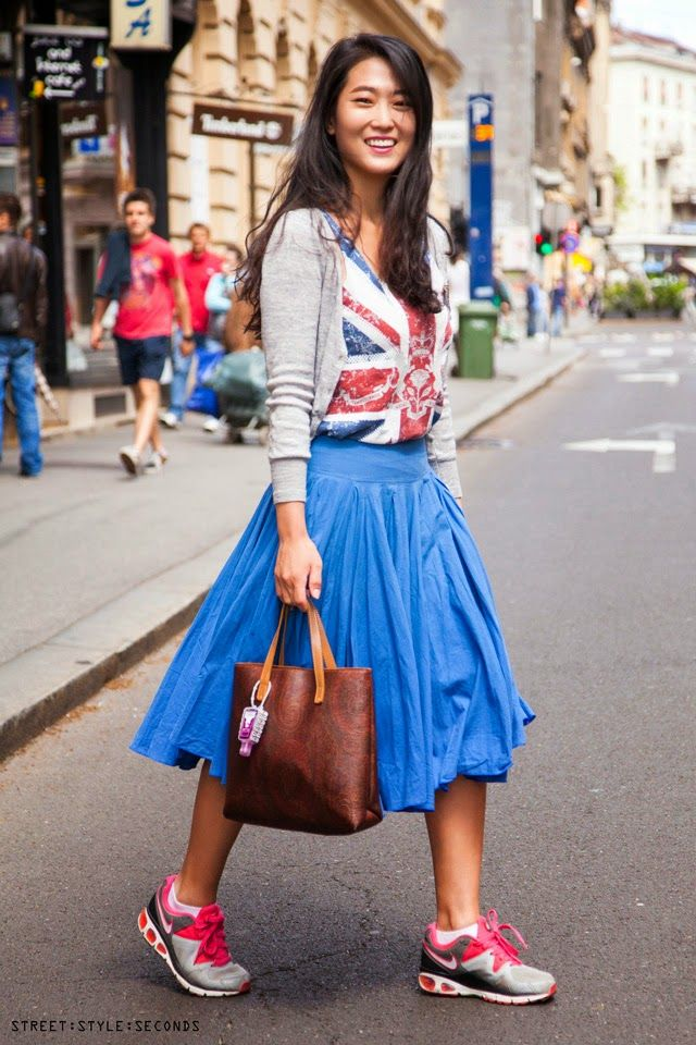 ผลการค้นหารูปภาพสำหรับ sneaker with skirt outfit