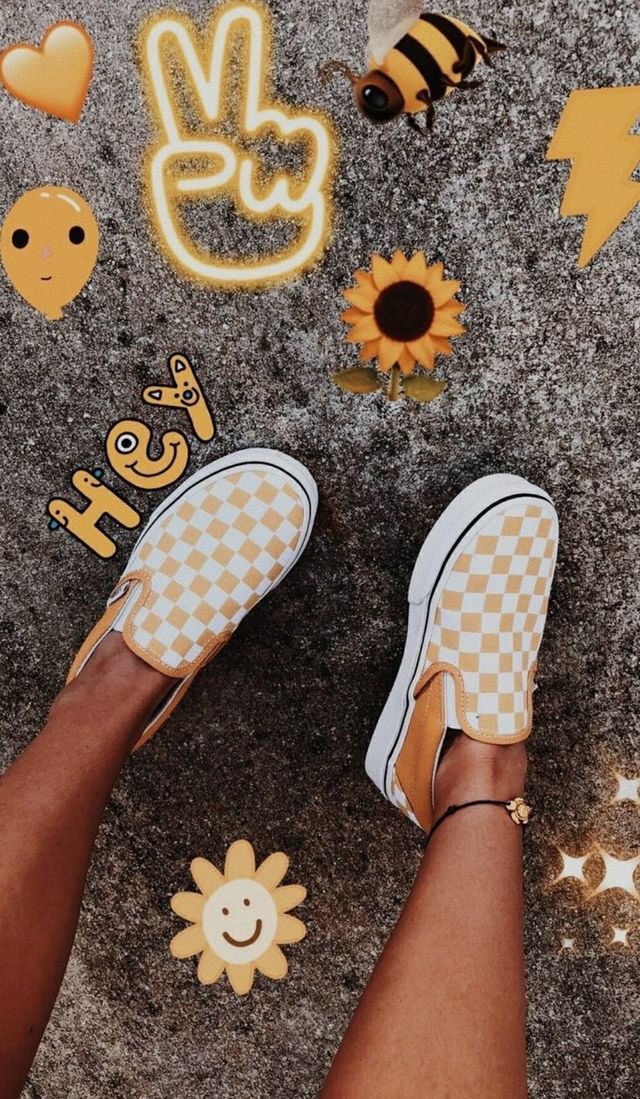 Pin By Jaz On Wallpaper Yellow Vans Cute Vans Vans Outfit